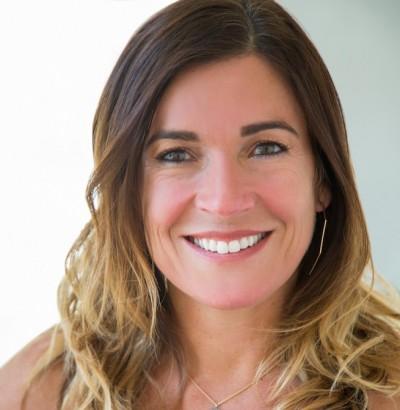 Lindsay Durfee Headshot